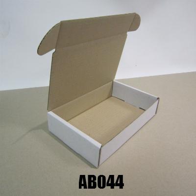 AB044
